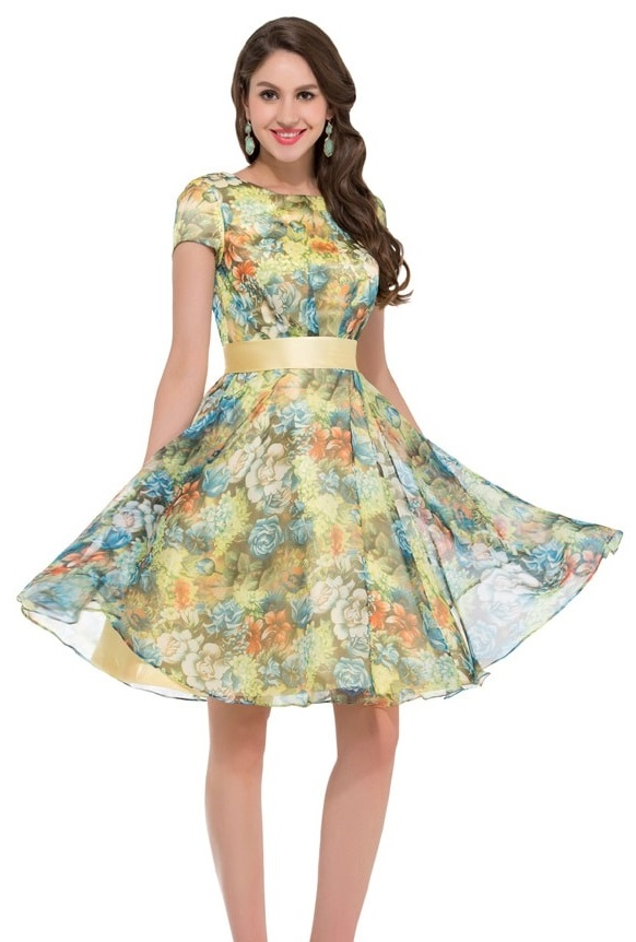 Colored with pastel colors, it is the kind of dress that you would expect to wear to an Easter egg hunt. The summery floral print gives this casual dress an added look of comfort and appeal. You can remain even more comfortable when you utilize the pockets on either side of the dress.