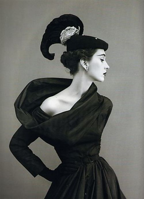 Cristobal-Balenciaga-dress-Harpers-Bazaar-1950