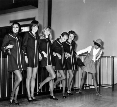 mary-quant-with-mini-dress-models