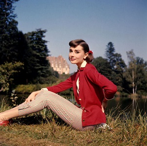 audrey-hepburn-casually-dressed