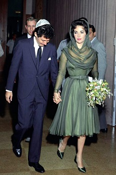 elizabeth-taylor-and-eddie-fisher-on-their-wedding-day