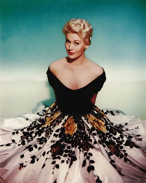 kim-novak-in-off-the-shoulder-dress