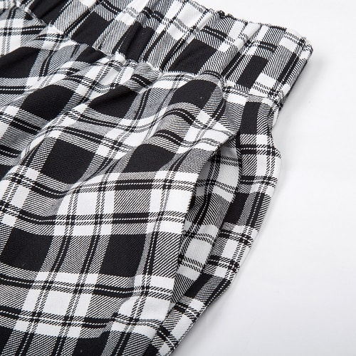 classic-black-and-white-tartan-vintage-skirt