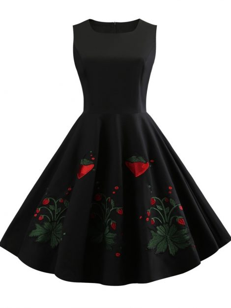Very Strawberry Little Black Vintage Dress rcsz1
