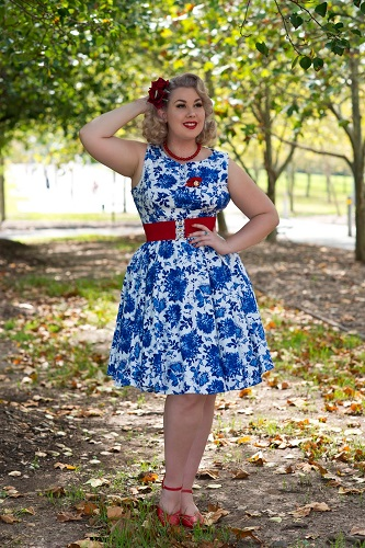 missi-in-1950sglam-blue-porcelain-dress